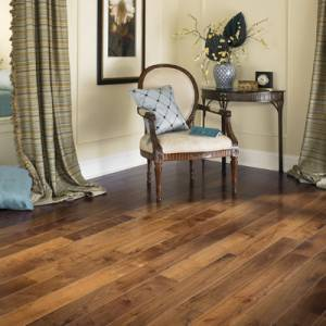 MULLICAN - Nature Collection - Solid 3/4 x 3 Walnut - Natural
